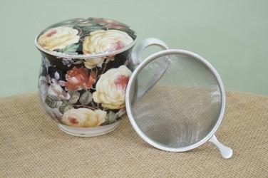 kubek z zaparzaczem róże na czarnym tle duży